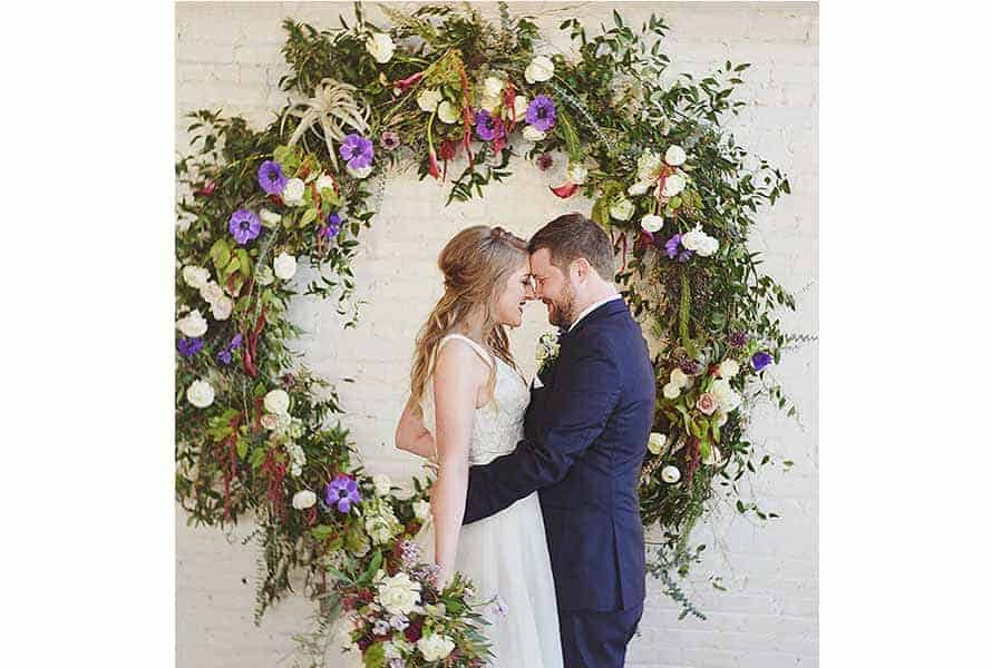 How to Create and Display Circular Wedding Arches