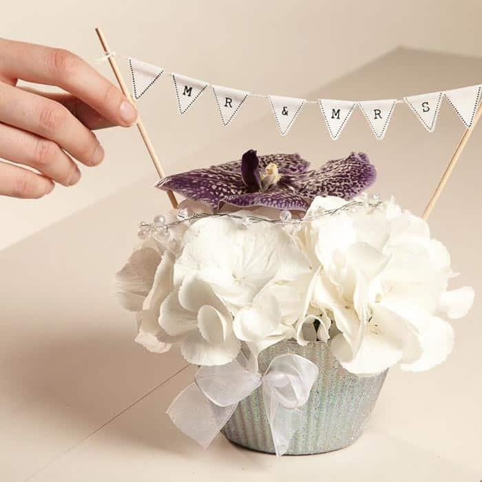 OASIS® Floral Cupcake Step 3
