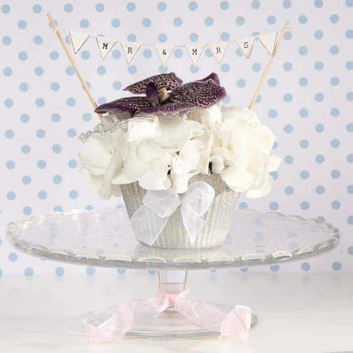 Wedding reception using a 12 cm OASIS® Floral Cupcake /Create A Stunning OASIS® Cupcake Arrangement