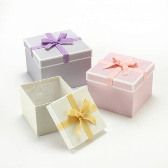 Hat Box With Bow-Square