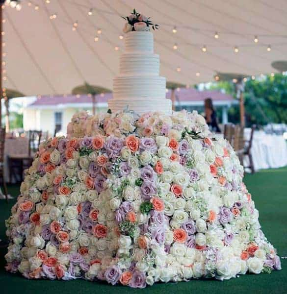 Wedding Cake Tablecloth with 1,800 Roses