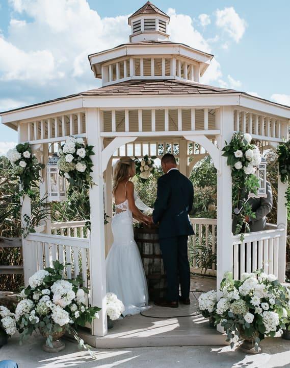 How do outdoor weddings differ from indoor?